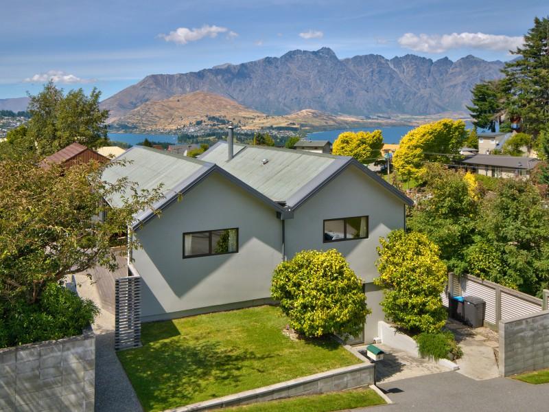 7 Greenstone Place, Fernhill/sunshine Bay - NZL (photo 1)