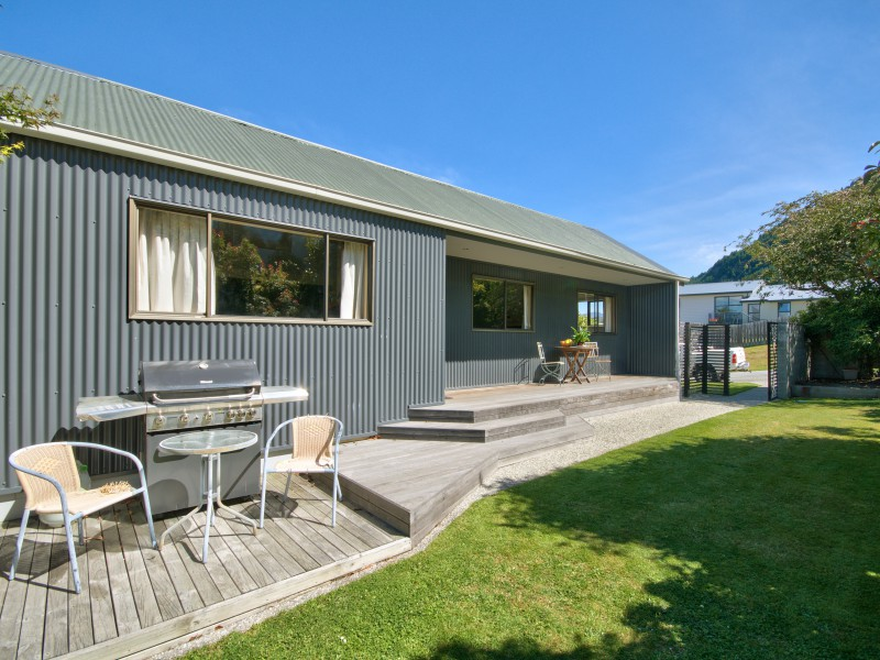 7 Greenstone Place, Fernhill/sunshine Bay - NZL (photo 4)