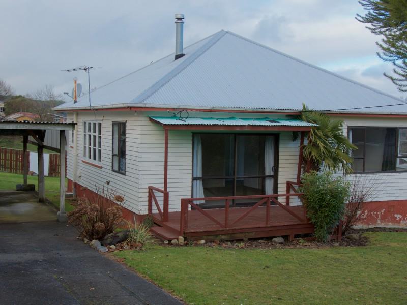 10 Thrush Street, Taihape, Rangitikei - NZL (photo 2)
