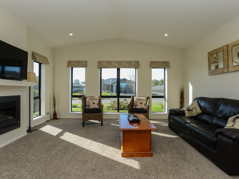 6 Percy Berry Place, Havelock North, Hastings - NZL (photo 5)
