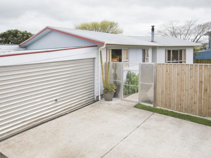 235 Cambridge Avenue, Ashhurst, Ashhurst - NZL (photo 1)