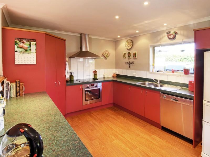 13 Nash Place, Masterton - NZL (photo 2)