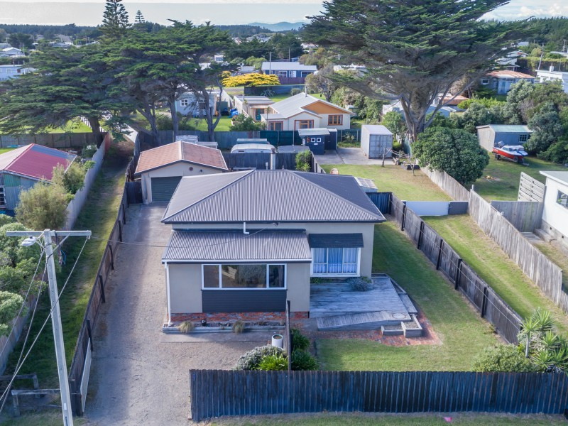 11a Rangitane Street, Himatangi Beach, Manawatu - NZL (photo 1)